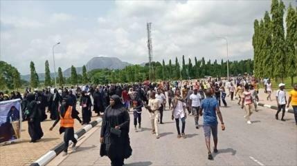 Policía de Nigeria dispara a los manifestantes pro Al-Zakzaky