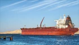 'Egipto detiene a un buque con crudo iraní en el canal de Suez'