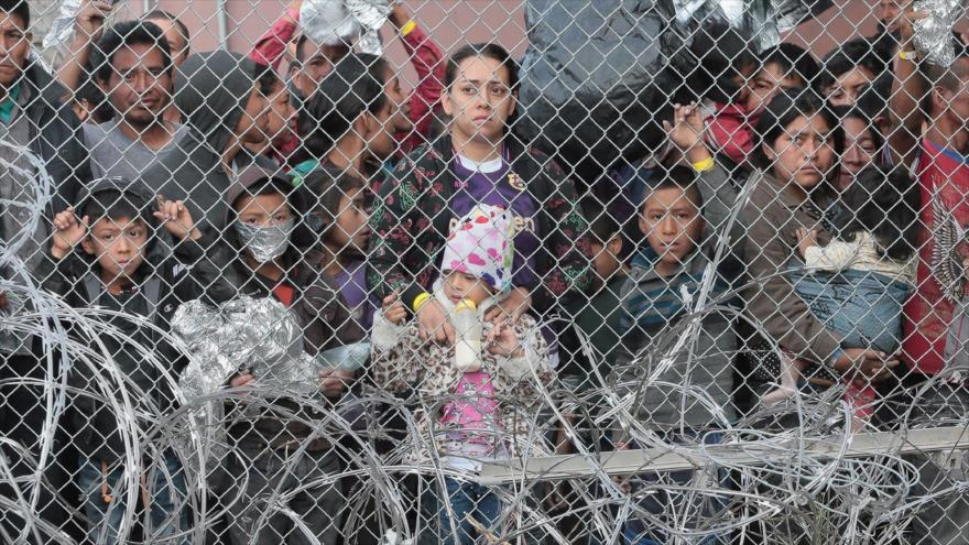 Madre de niña fallecida denuncia centros para migrantes de EEUU