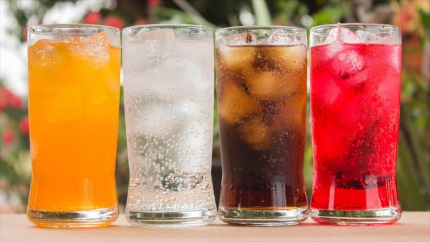 Nuevo estudio muestra que las bebidas azucaradas podrían provocar cáncer.