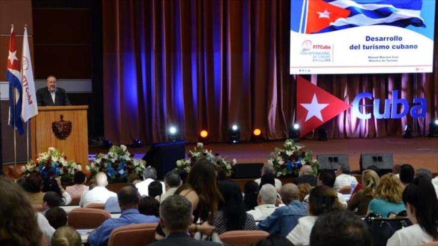 El ministro de turismo de Cuba, Manuel Marrero Cruz, habla en el acto de inauguración de la FITCuba 2019 en La Habana, 7 de mayo de 2019.
