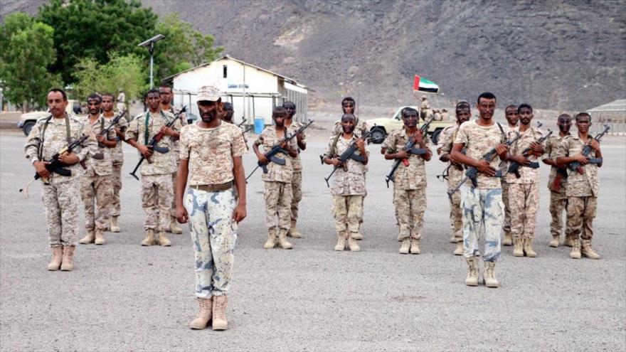Oficiales emiratíes desplegados en una base en el sur de Yemen.