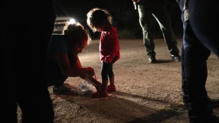 """HRW: EEUU causa """"daños duraderos"""" a niños migrantes separados"""