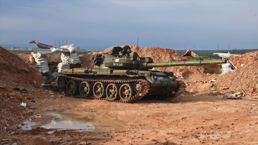 Un tanque del Ejército sirio en el norte de la provincia de Hama.