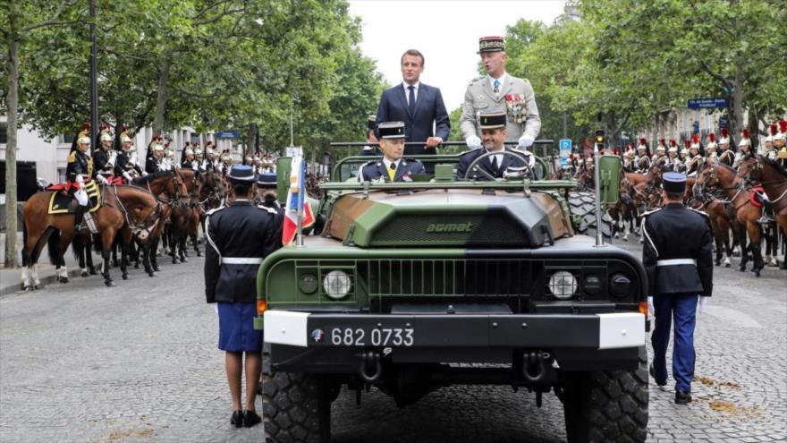 Vídeo: Abuchean a Macron durante la fiesta nacional de Francia