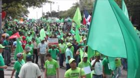 Miles de dominicanos participan en 'Marcha Verde' contra corrupción