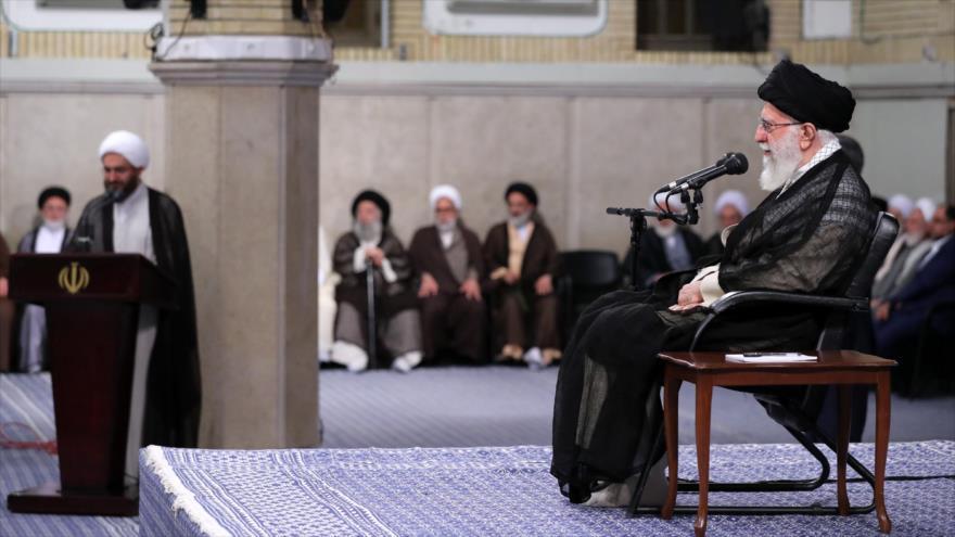 Ayatolá Jamenei: Irán no dejará sin respuesta la piratería británica | HISPANTV