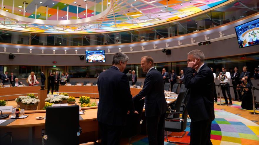 El presidente del Consejo Europeo, Donald Tusk (centro), participa en una cumbre de la UE en Bruselas, 21 de junio de 2019. (Foto: AFP)