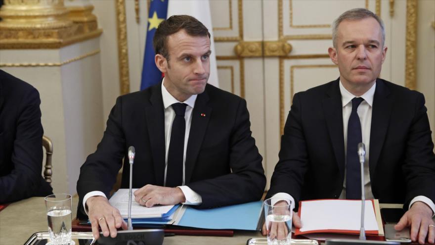 El presidente francés, Emmanuel Macron, y su dimitido ministro de Transición Ecológica, François de Rugy, en el Palacio del Elíseo, 10 de diciembre de 2018.