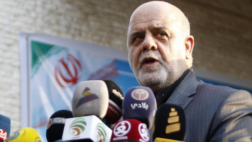 Iray Masyedi, embajador de Irán en Irak, habla en una rueda de prensa en la ciudad iraquí de Basora, 11 de septiembre de 2018. (Foto: AFP)