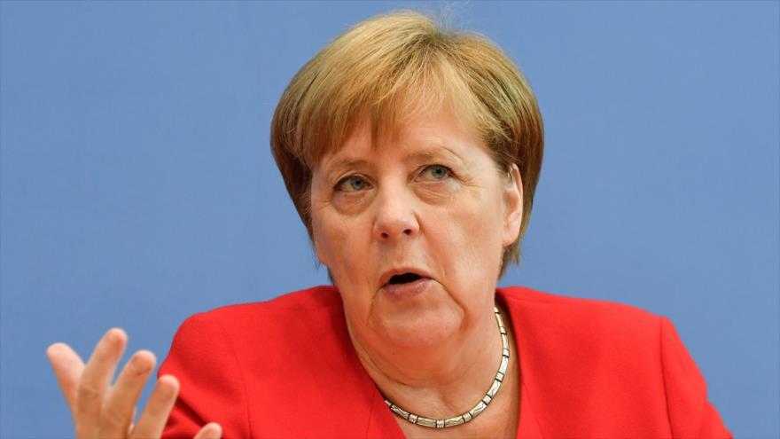 La canciller alemana, Angela Merkel, habla durante su tradicional rueda de prensa de verano en Berlín, 19 de julio de 2019. (Foto: AFP)