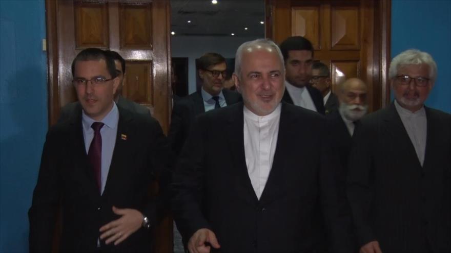 Canciller de Irán llega a Venezuela para reunión del MNOAL