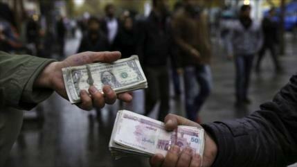 Moneda iraní sigue estable frente al dólar pese a tensión en Ormuz