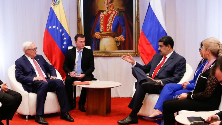 El vicecanciller ruso Serguéi Riabkov (izda.), se reúne con el presidente venezolano, Nicolás Maduro, 20 de julio de 2019. (Foto: Reuters)