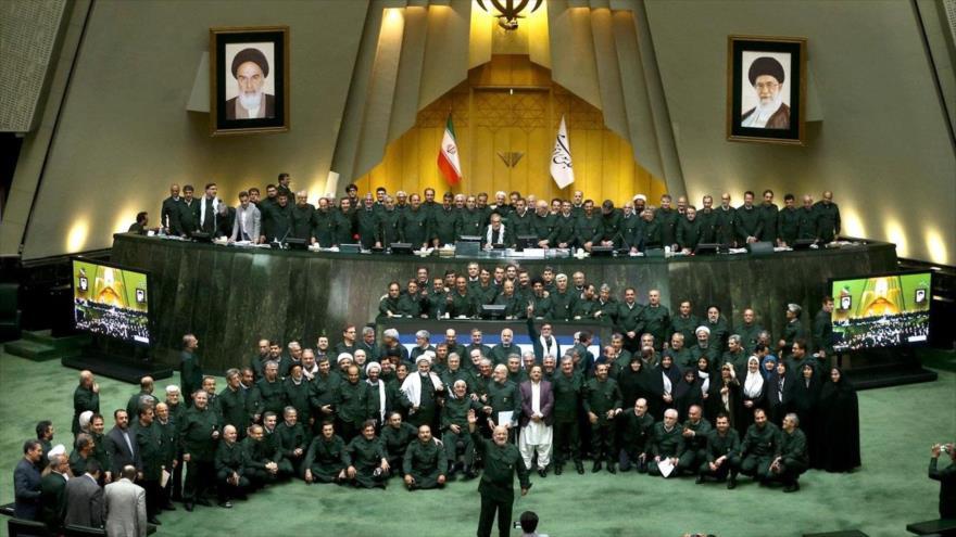 Legisladores iraníes apoyan medida del CGRI ante buque británico