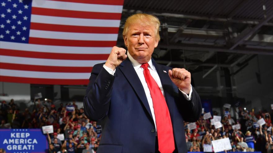 El presidente de EE.UU., Donald Trump, llega a un mitin electoral, Greenville, Carolina del Norte, 17 de julio de 2019, (Foto: AFP)