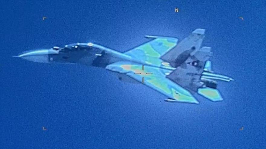 Vean cómo un caza Su-30 venezolano interceptó avión espía de EEUU