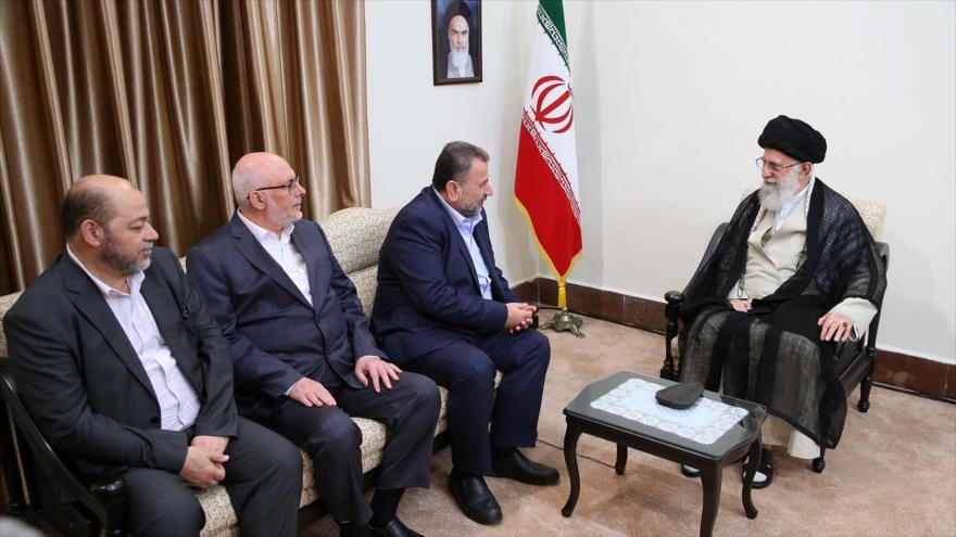 El Líder iraní, el ayatolá Seyed Ali Jamenei, se reúne con una delegación de HAMAS en Teherán, 22 de julio de 2019. (Foto: Leader.ir)