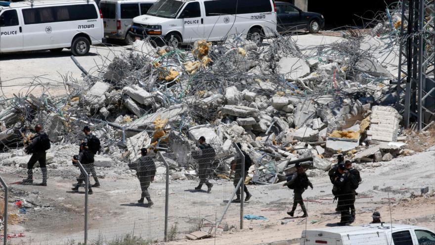 Vídeo: Militares israelíes celebran demolición de casas palestinas