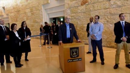 Expremier israelí cancela viaje a Suiza por temor a ser arrestado
