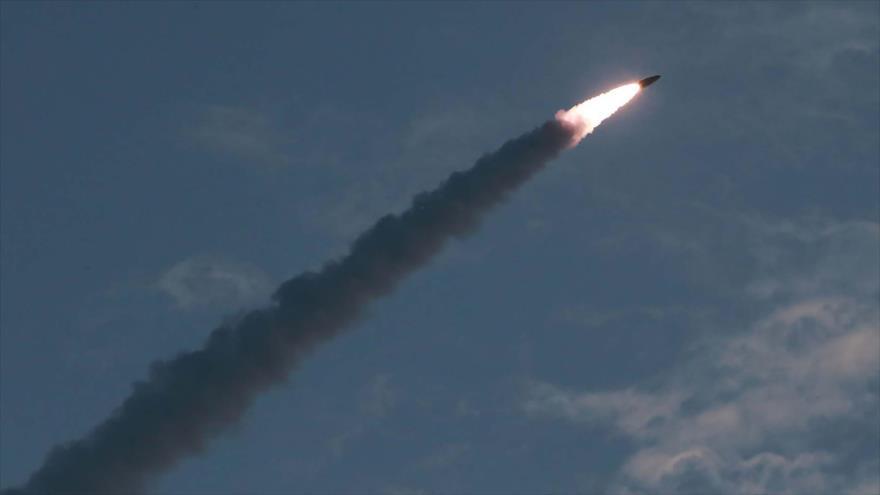 Corea del Norte lanza un nuevo misil de corto alcance, 25 de julio de 2019. (Foto: AFP)