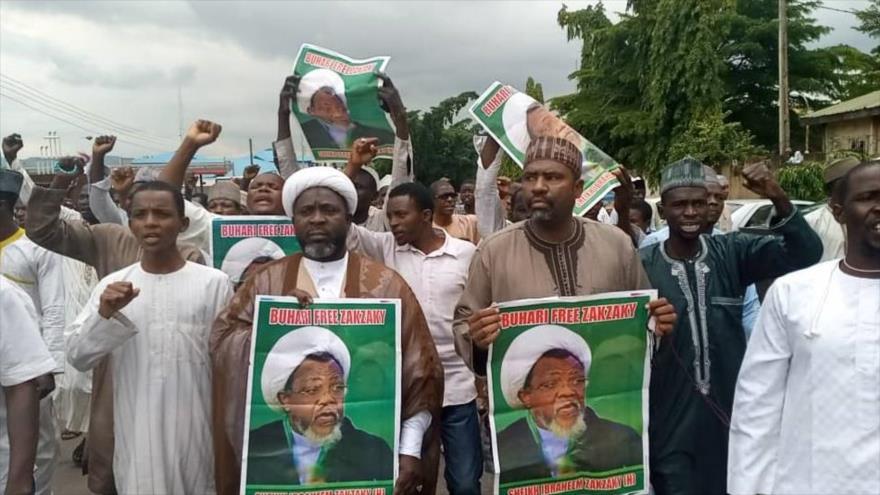 Manifestantes piden la libertad del sheij Ibrahim al-Zakzaky, líder del Movimiento Islámico de Nigeria, en la ciudad capitalina de Abuya.