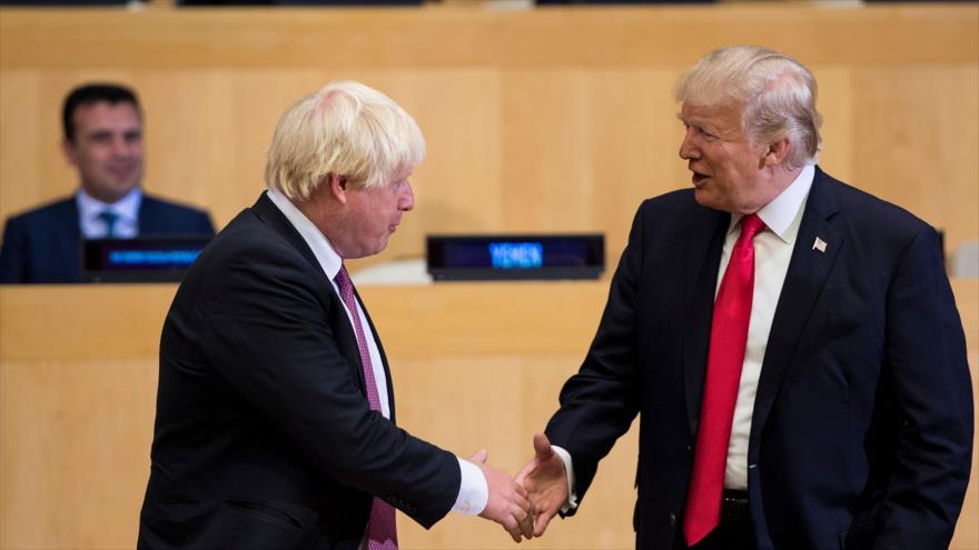 Trump pacta con Johnson ampliar lazos económicos tras el Brexit | HISPANTV