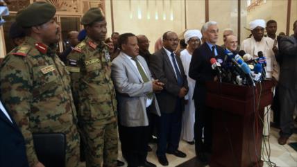Militares y oposición de Sudán logran un acuerdo constitucional