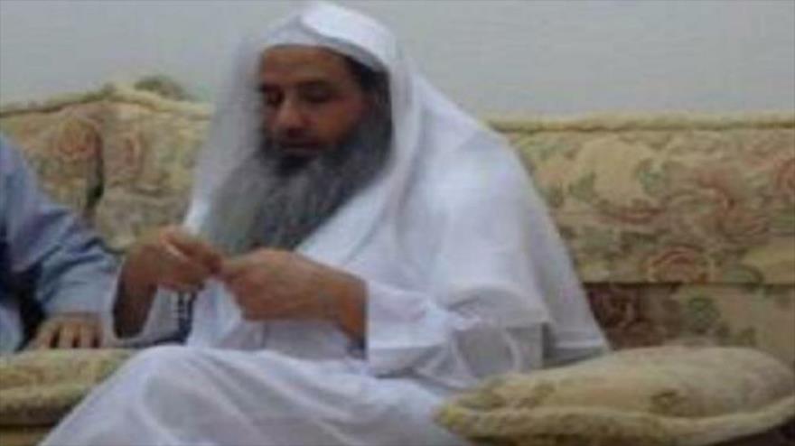 El sheij Saleh Abdulaziz al-Dumairi, un clérigo opositor saudí, muere en detención.
