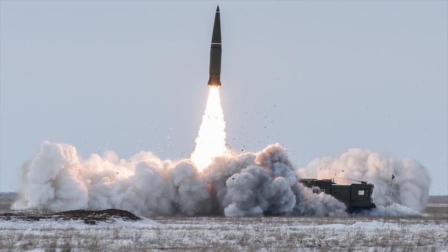 Salida de EEUU de INF conduce al mundo a una carrera armamentística