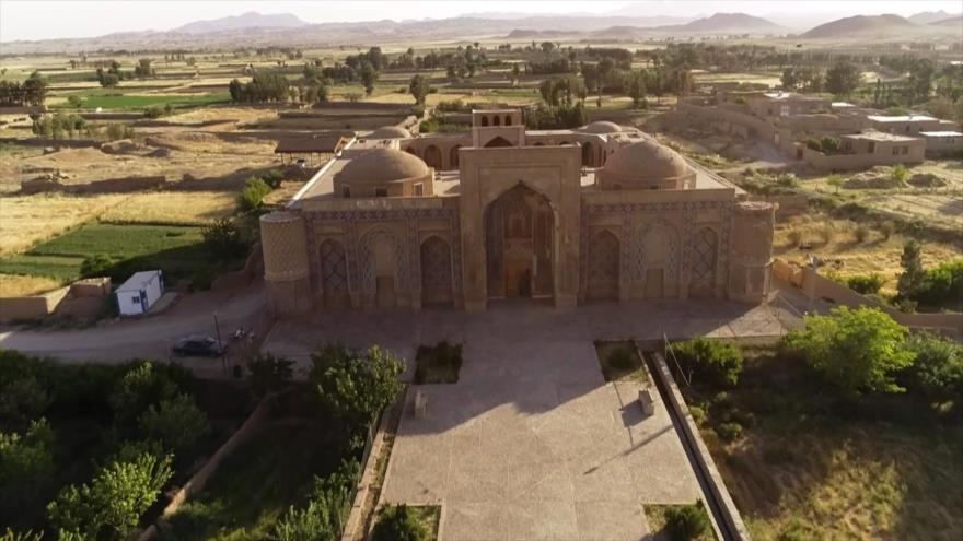 Irán: 1- Monumentos históricos de Khaf 2- El instrumento musical Robab