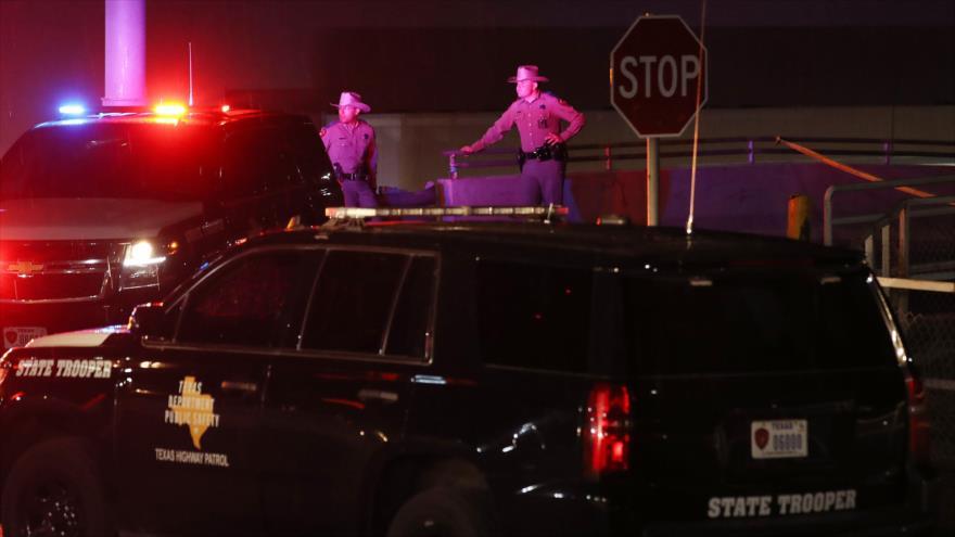 Agentes policiales desplegados en el lugar del tiroteo en Texas (EE.UU.), 3 de agosto de 2019. (Foto: AFP)