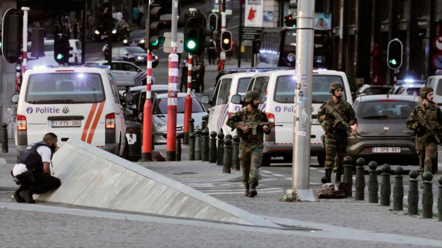 Los soldados vigilan las calles en Bruselas (Bélgica) después de un intento frustrado de ataque terrorista, 20 de junio de 2017.