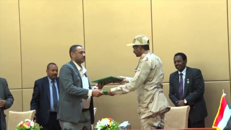 Militares y oposición firman declaración constitucional en Sudán | HISPANTV