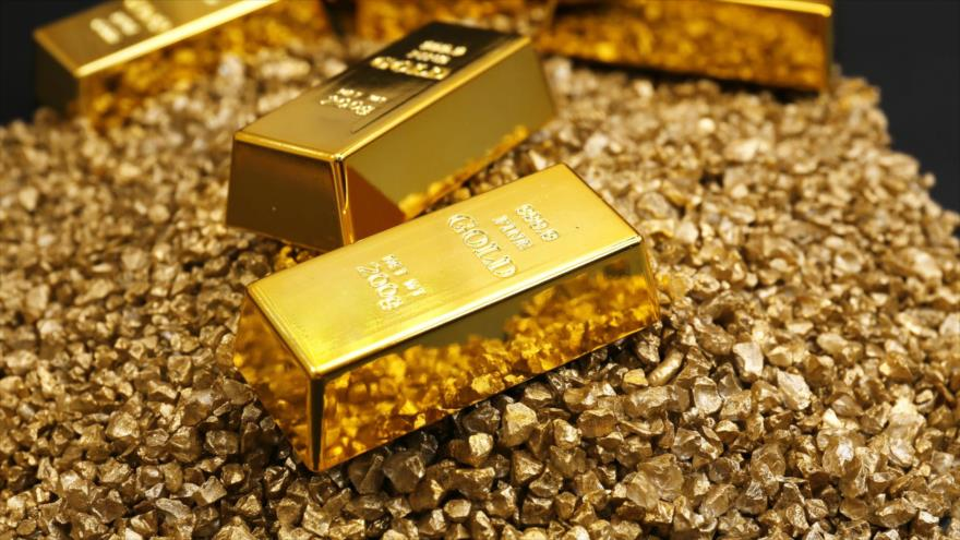 Un estudio indica que el oro puede reorganizar sus átomos y formar una nueva estructura bajo condiciones extremas.