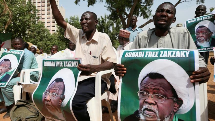Manifestantes nigerianos piden la libertad del líder musulmán el sheij Ibrahim al-Zakzaky.