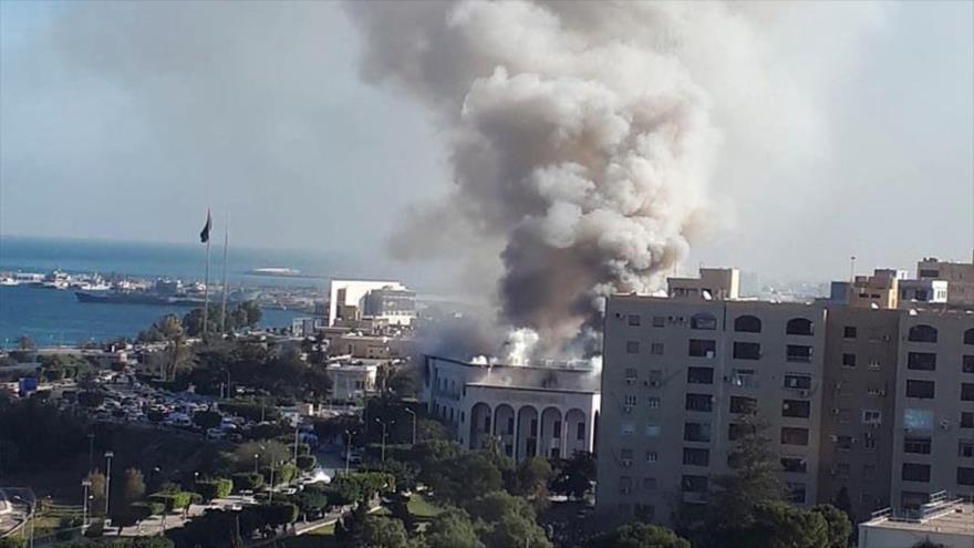 Un ataque aéreo de las fuerzas de Haftar en Libia.