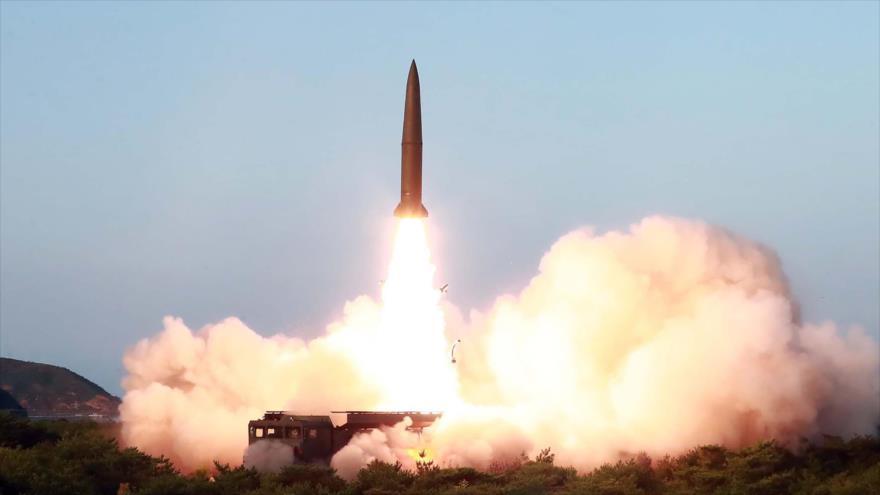El lanzamiento de un nuevo tipo de misil de corto alcance guiado táctico por Corea del Norte, 25 de julio de 2019. (Foto: KCNA)