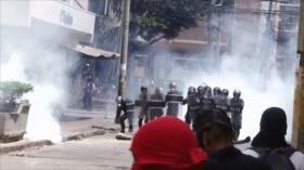 Hondureños piden en las calles la renuncia de Orlando Hernández