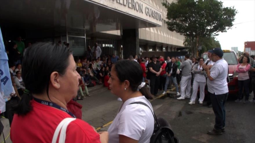 Trabajadores de la salud continúan con su huelga en Costa Rica