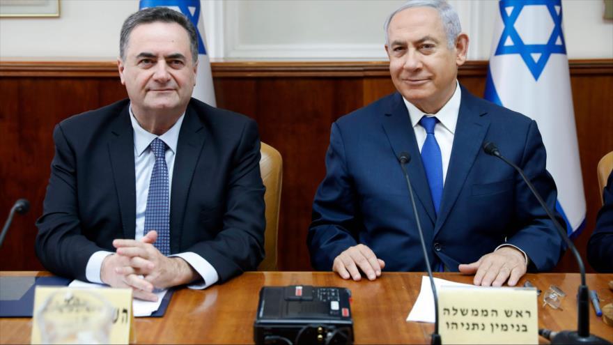 El premier israelí, Benjamín Netanyahu (dcha.), y su ministro de exteriores, Israel Katz, en una reunión de gabinete, 24 de febrero de 2019. (Foto: AFP)