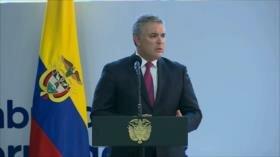Presidente de Colombia se raja en el primer año de mandato