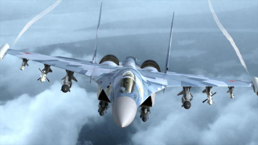 Un avión de combate Sujoi Su-35 de Rusia durante una operación militar.