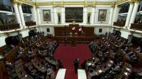 Se debate un adelanto de comicios propuesto por Vizcarra en Perú