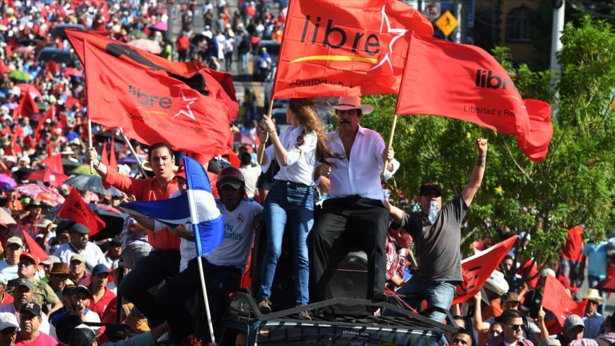 Hondureños gritan ¡Fuera Hernández! en nueva protesta masiva