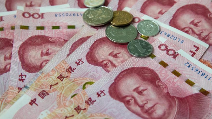 Billetes de 100 yuanes, la moneda nacional de China.