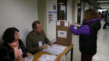 Comienza votación para primarias presidenciales en Argentina