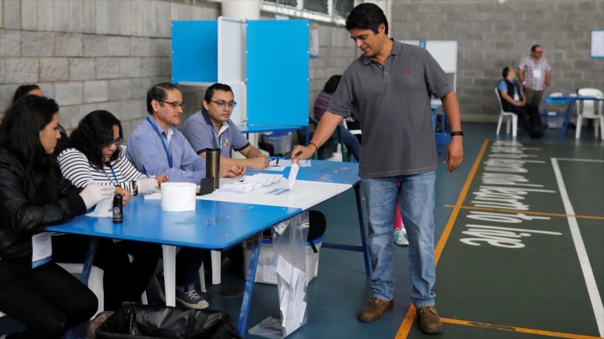 Comienza la segunda vuelta de comicios presidenciales en Guatemala
