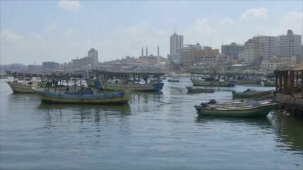 Los gazatíes luchan contra bloqueo marítimo de Israel