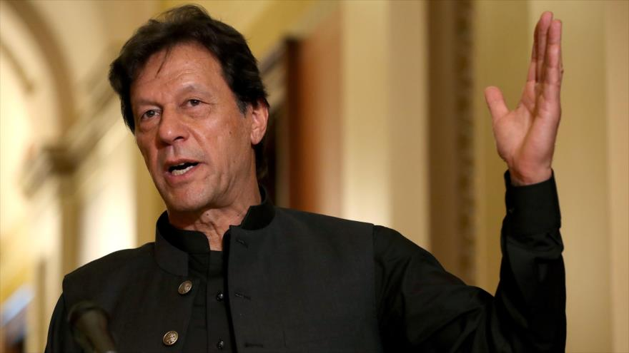 El primer ministro de Paquistán, Imran Jan, habla con la prensa en Washington, la capital de EE.UU.), 23 de julio de 2019. (Foto: AFP)